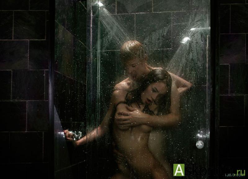 seks-devushki-i-muzhchini-v-dushe